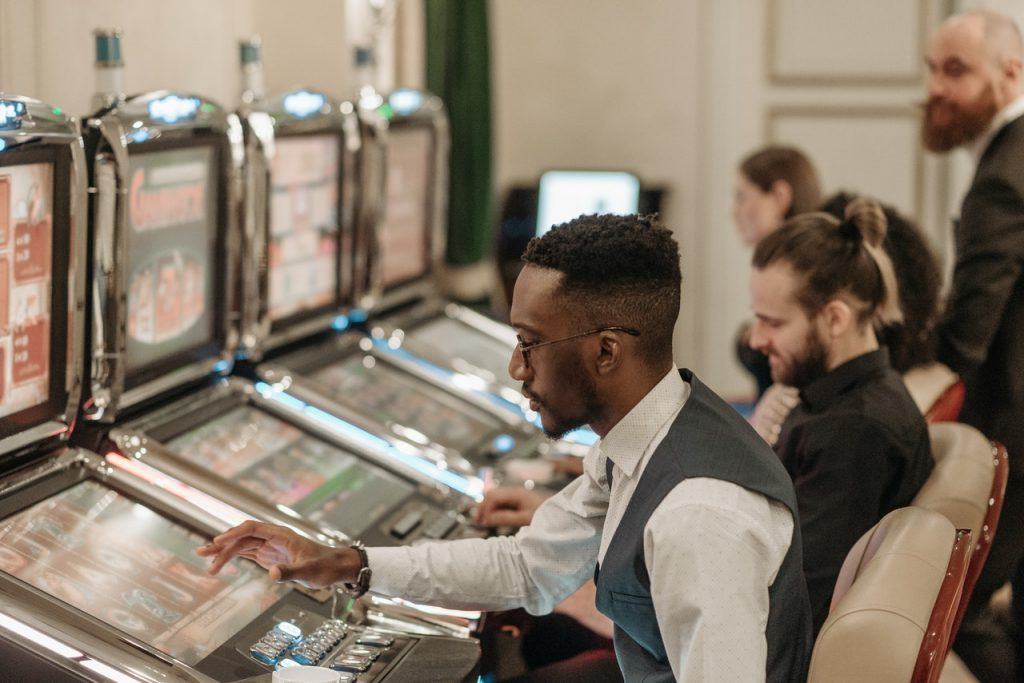 How And When To Win In Slots – Tricks To Winning On Slot Machines